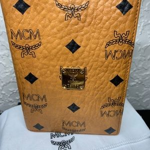 MCM Passport Holder (tan monogram)